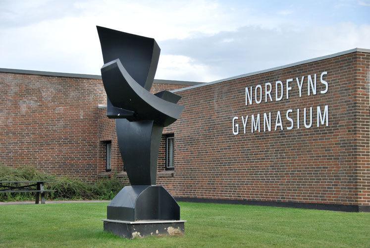 Nordfyns Gymnasium Statue foto